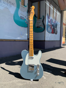 Fender Custom Shop Custom '50s Telecaster Journeyman Ice Blue Metallic