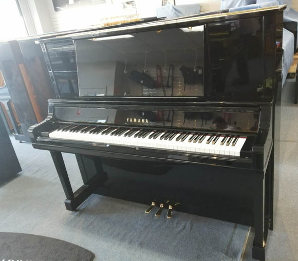 Yamaha Performance Piano UX30A Top Model