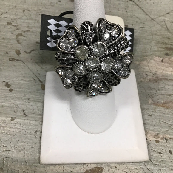 11922 Sil Crystal Heart Flower Ring