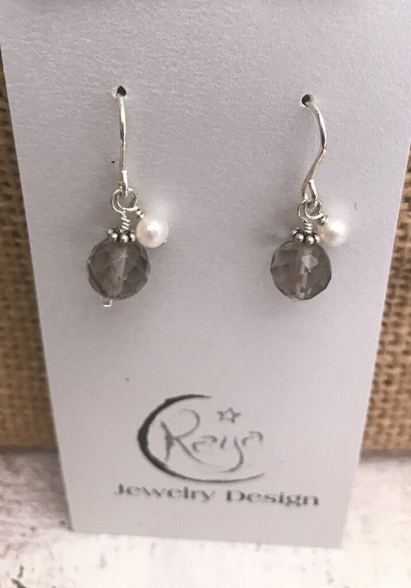 E124 Sterling silver topaz and freshwater pearl earrings