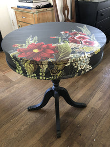 "Vintage Barrel Table Painted ""Ash"" w/ transfer 24""x28"""