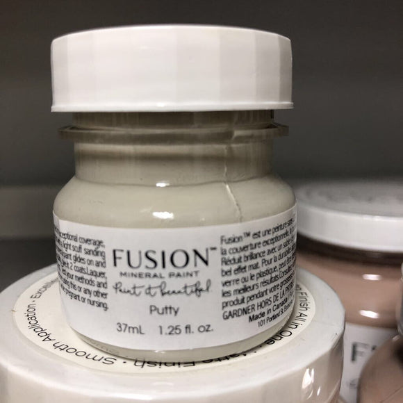 Fusion Mineral Paint Putty Tester