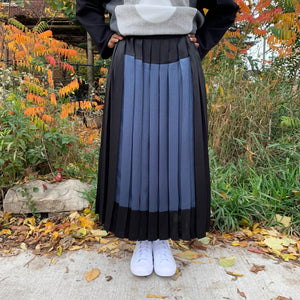 PLEATED SQUARE SKIRT