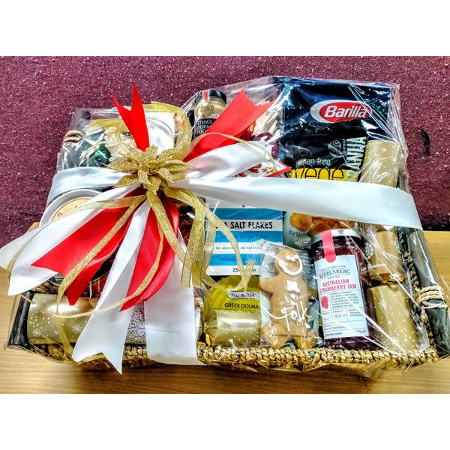 "A Gift Hamper ""A Touch of Christmas"""