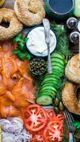 House Cured Gravlax Bagel Board New York Style (serves 4)