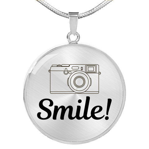 SMILE NECKLACE - picgraph