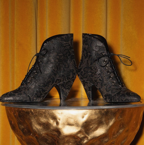 Black ankle heeled boots leather