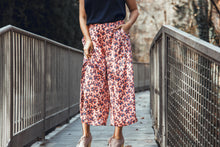Load image into Gallery viewer, The Floral Pant