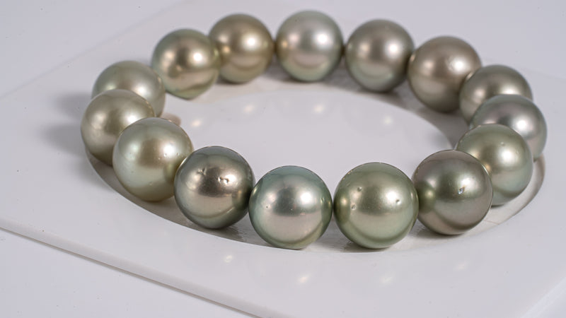 "15pcs ""Apple Green"" Color 11-12mm - Pearl Bracelet Round AAA quality"