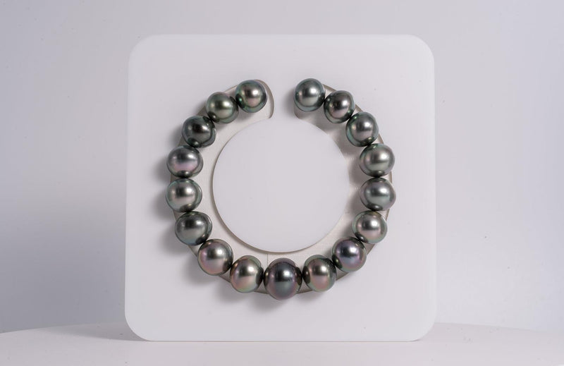 17pcs Green Cherry Color Bracelet - Button 11-13mm AAA quality Tahitian Pearl