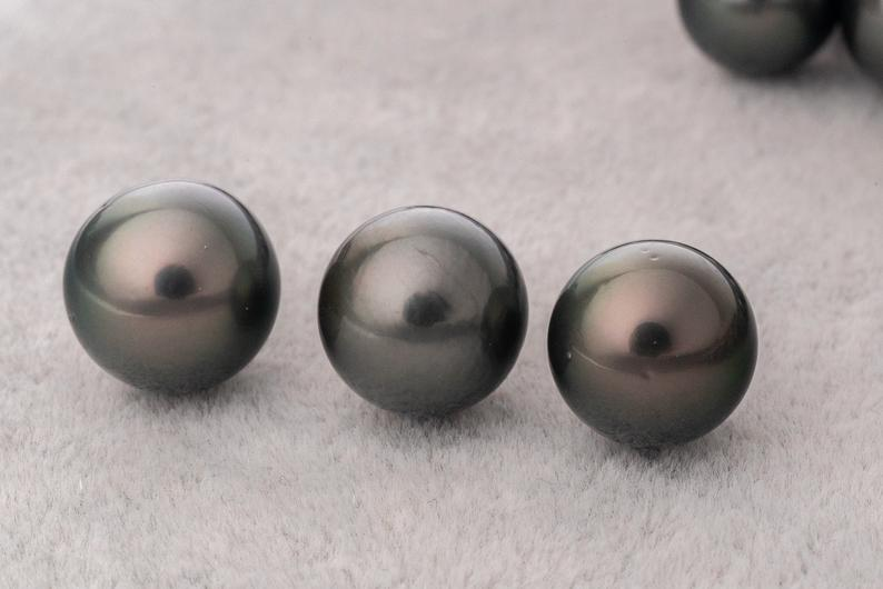 11mm Round AAA DARK Tahitian Pearl - BUY Tahitian Pearls jewellery wholesale - CMWPEARLS.COM