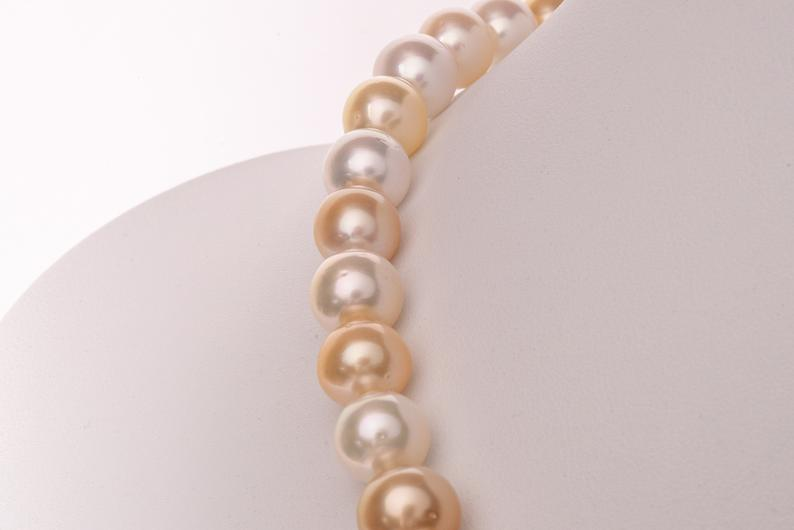 Australian White South Sea Necklace Pearls - BUY Tahitian Pearls jewellery wholesale - CMWPEARLS.COM