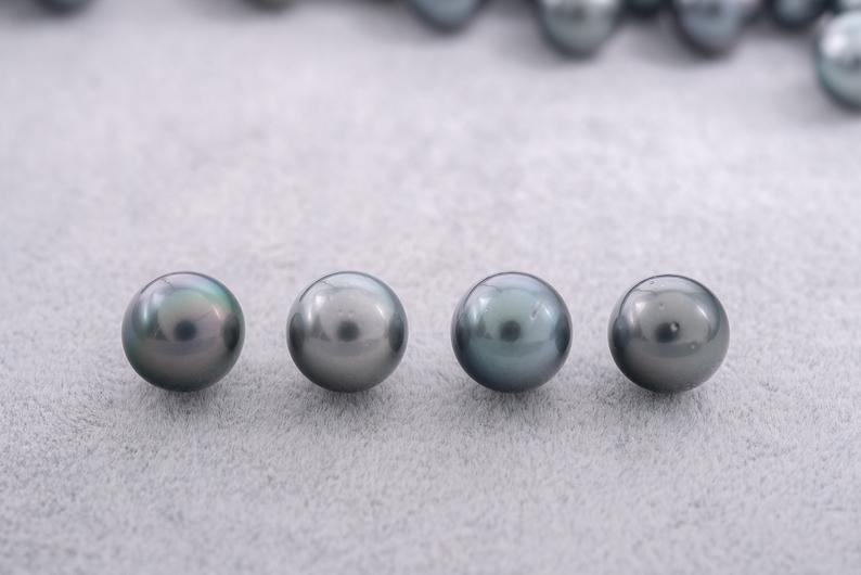 42pcs Wholesale Lot - Blue Green 11mm R Tahitian Pearls (AA quality)