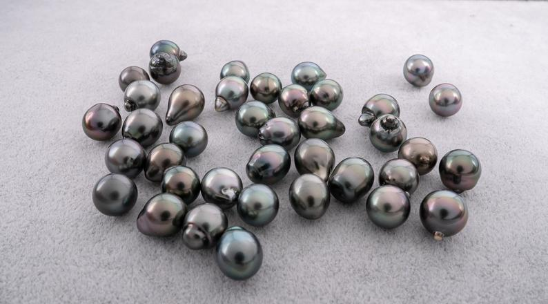 Peacock 10mm Semi-Baroque AAA quality Tahitian Pearl