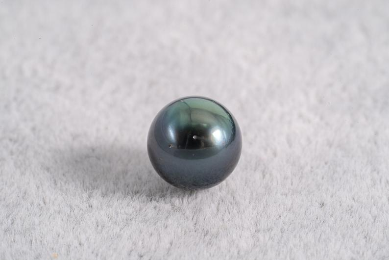 Green Blue 8-10mm - Round AA quality Tahitian Pearl