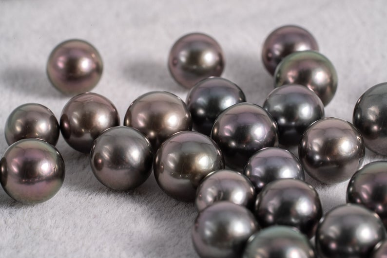 Cherry 8-10mm - Round AA quality Tahitian Pearl