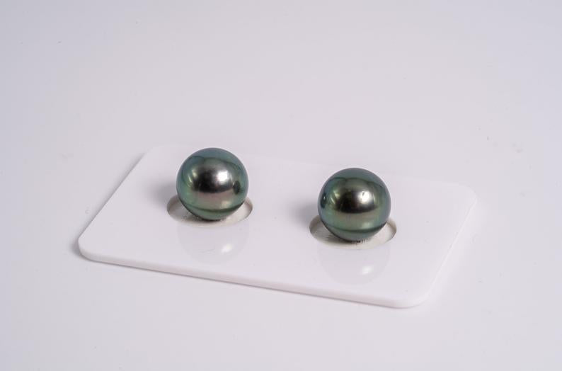 Green Blue Matched Pair - Round 10mm AA quality Tahitian Pearl