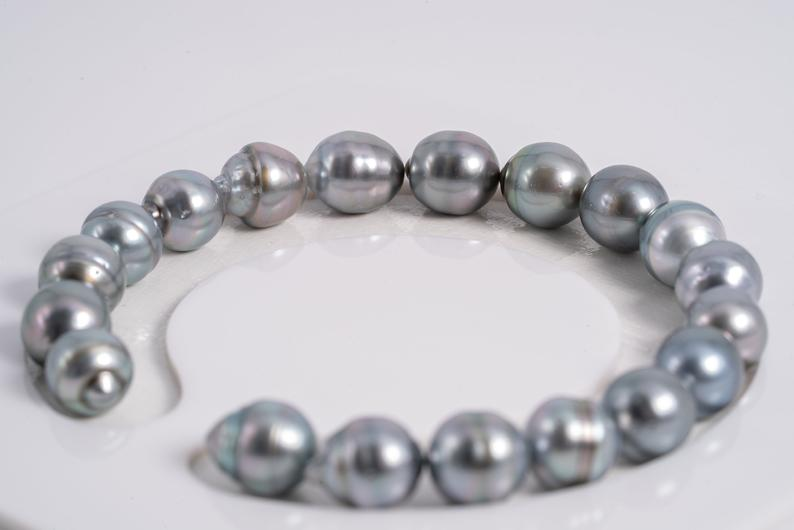 "19pcs ""Think of Snow"" Grey Bracelet 9mm Circle AAA quality Tahitian Pearl"