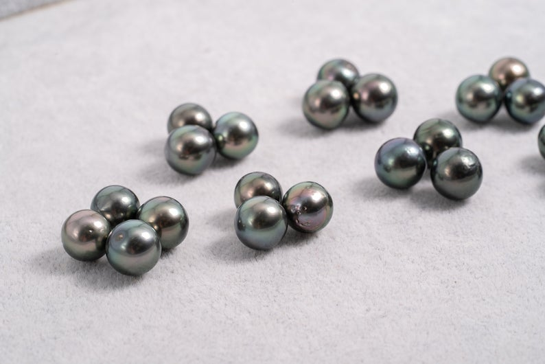 22pcs Green Color - Near Round 10mm AA quality Tahitian Pearl