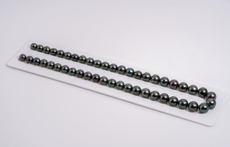"47pcs ""BOSS"" Dark Green Color Necklace - Semi-Round 8-10mm AAA/AA quality Tahitian Pearl"