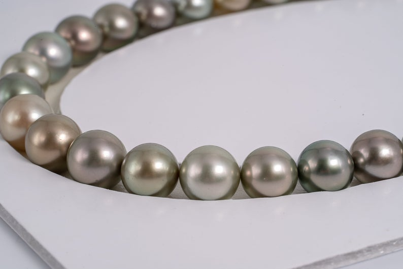 "36pcs ""Golden Pastel"" Golden Green Color Pearl Necklace - R/SR 11-12mm AA/A quality Tahitian Pearl"