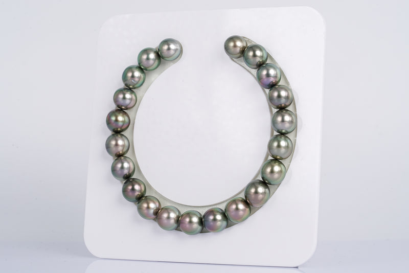 "21pcs ""Golden Age"" Apple Green & Cherry Bracelet - Near-Round/Semi-Baroque 9mm AAA quality Tahitian Pearl"