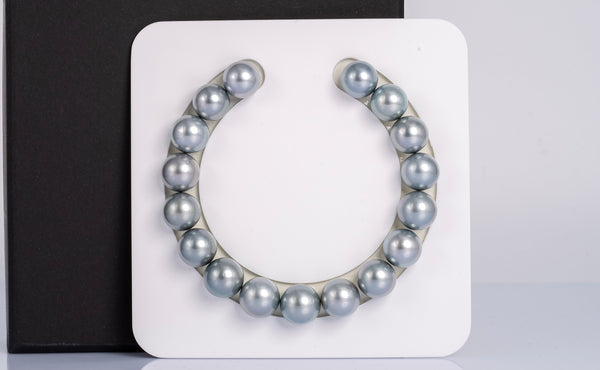 "17pcs ""Silver Blue"" Bracelet - Round 11mm AA/A quality Tahitian Pearl"