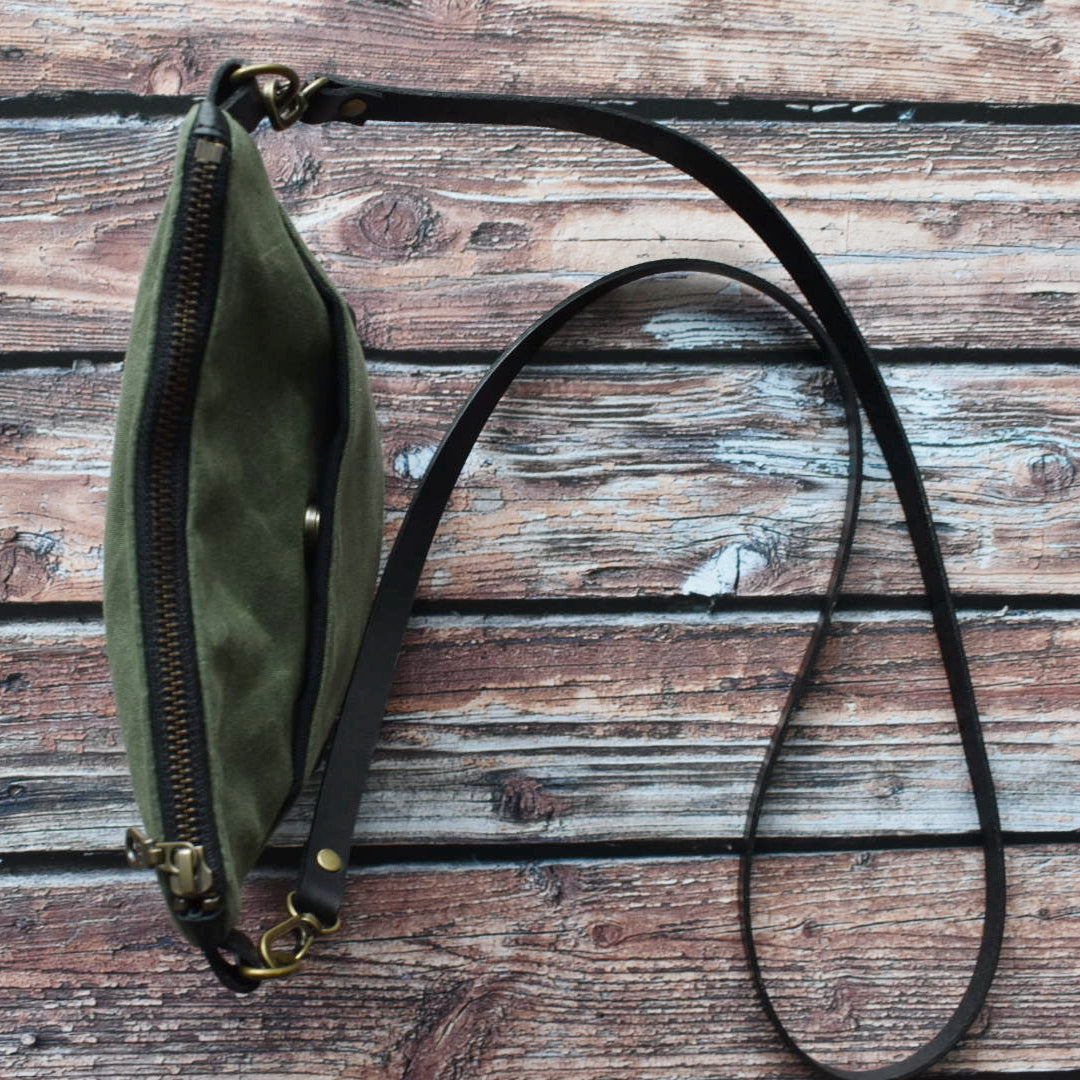 MUNC Waxed Canvas & Veg Tan Leather Purse