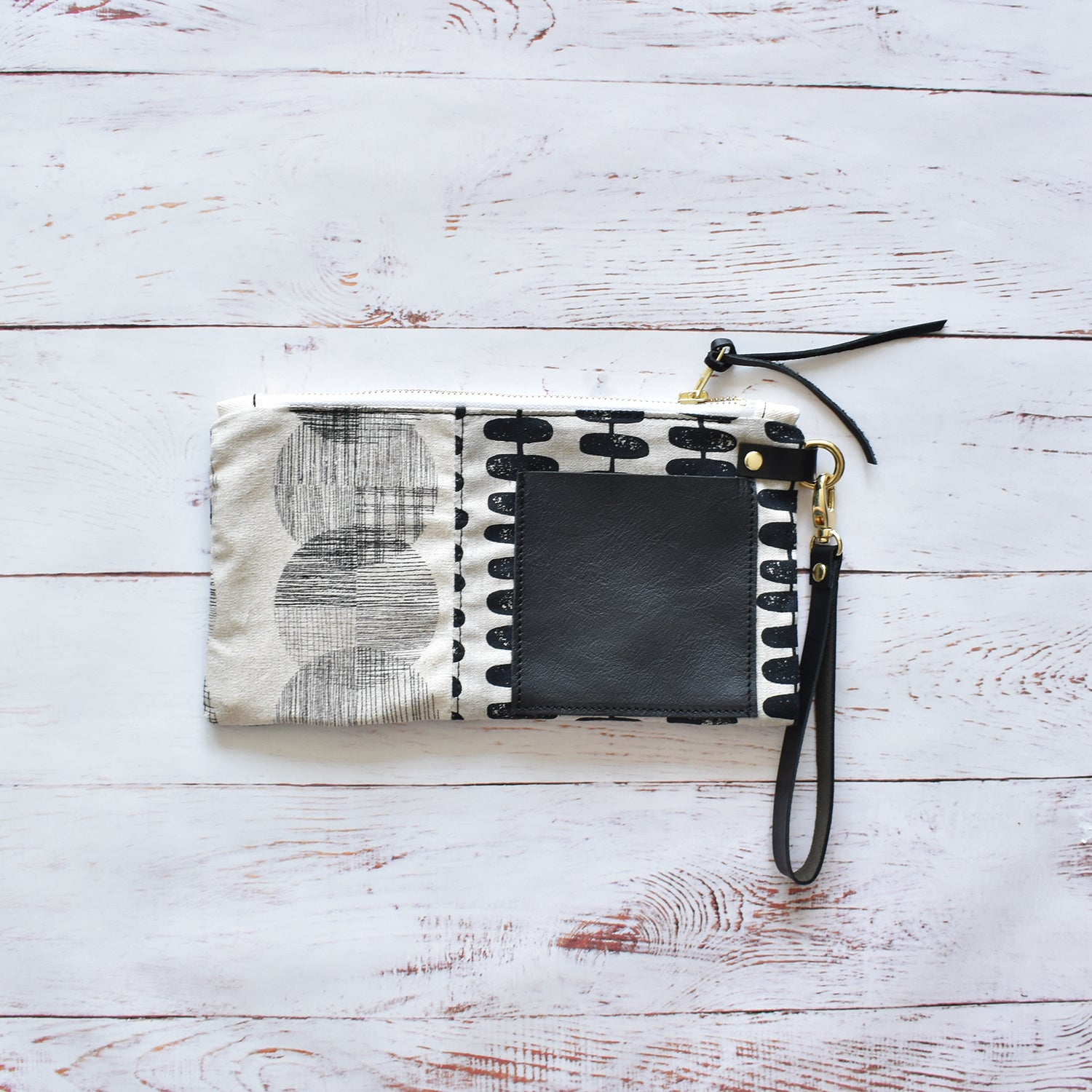 MUNC Canvas & Leather Pouch