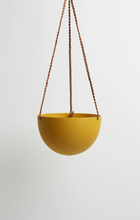 Load image into Gallery viewer, Block Colour Dome Hanging Pot Golden