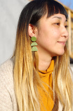 Load image into Gallery viewer, Xenia Studio Forest Green Multi Dangle Earring