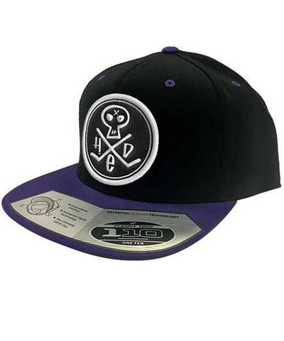 (HED)P.E. 'PUNK SKULL' flat bill fitted hockey cap in black/purple