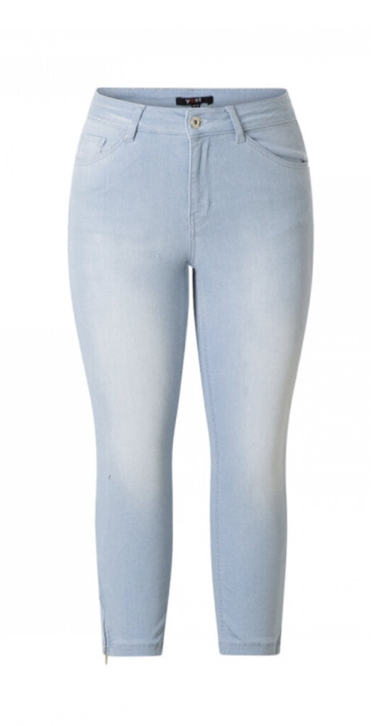 Bleach Blue Denim Capri size 14