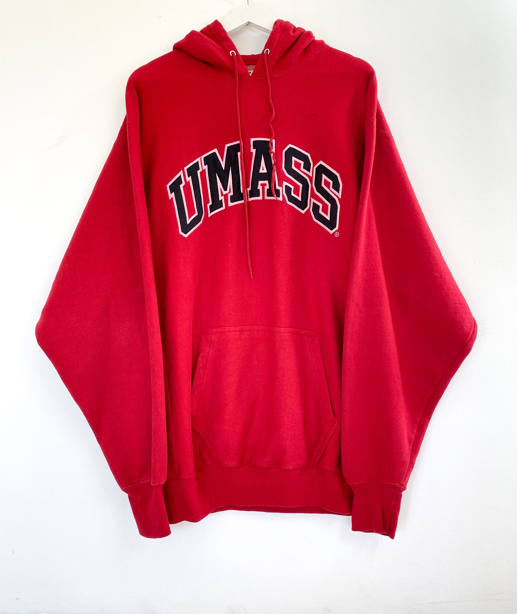 UMASS COLLEGE SWEATSHIRT (XL)