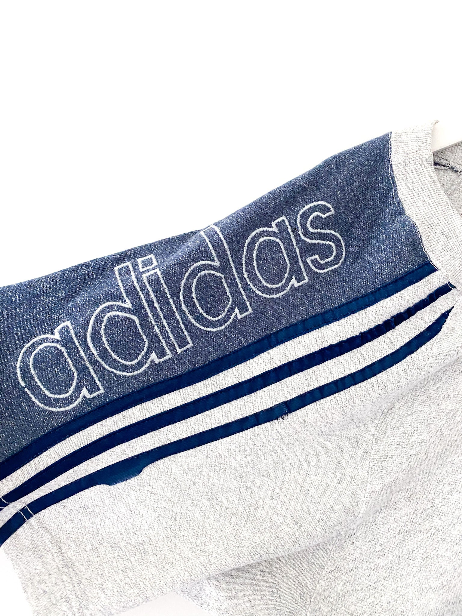 SPELLOUT ADIDAS RIBBED TEE (M)