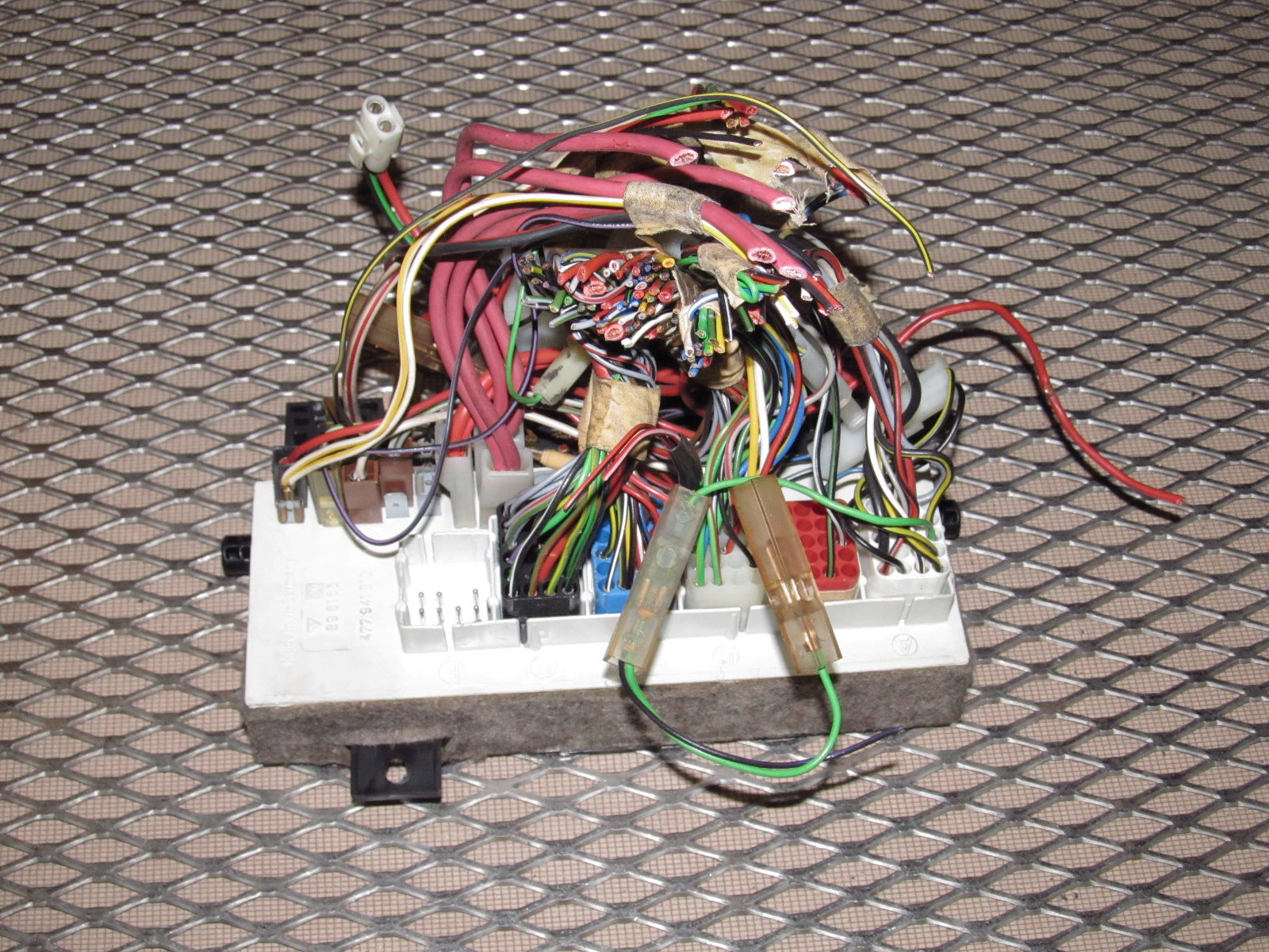 Porsche 944 Fuse Box Lid Blog About Wiring Diagrams For 86 83 Schematic Valve Cover