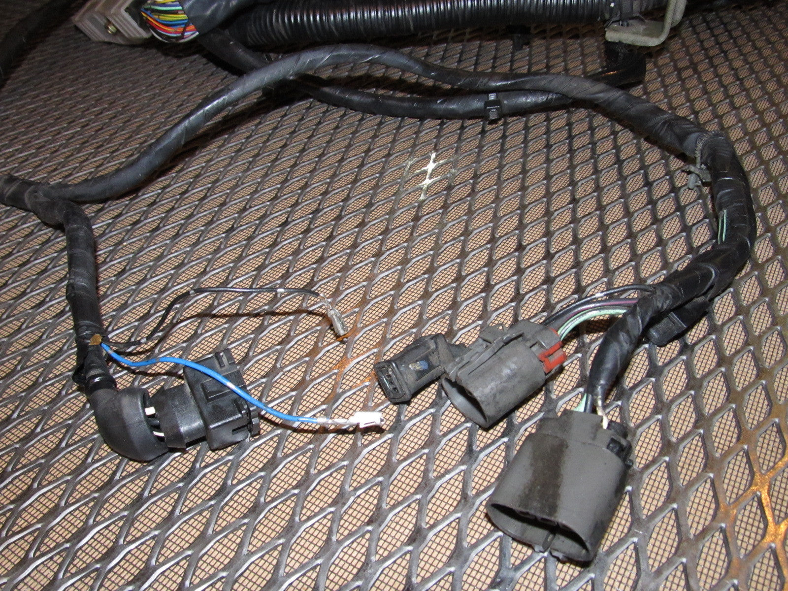 IMG_4498_ff6e864a a03a 48ff 9d7e 501b5bd07406?v=1464395452 89 90 nissan 240sx oem engine wiring harness ka24e m t ka24e wiring harness for sale at mifinder.co