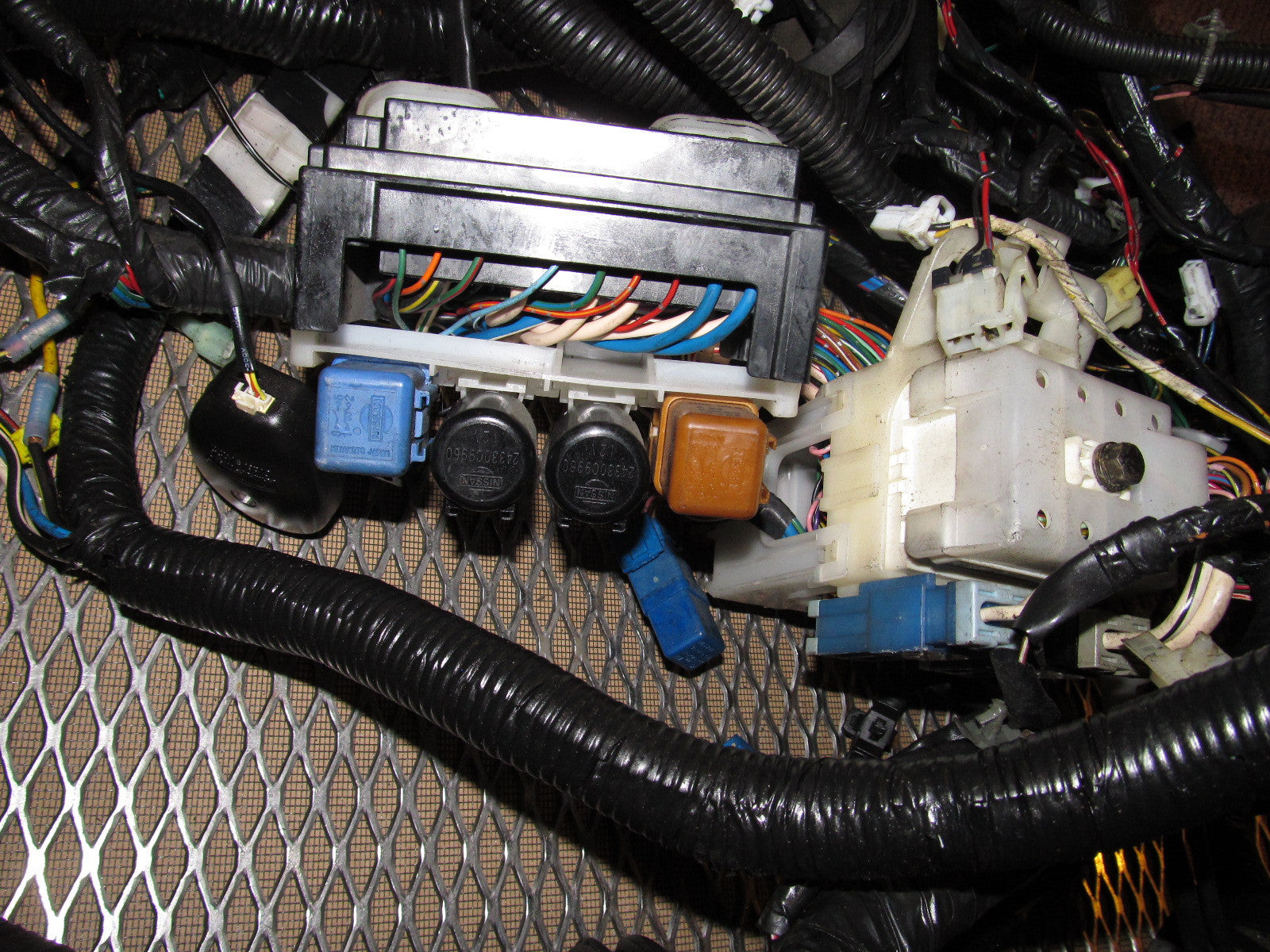 95 nissan 240sx engine fuse box cover wiring library 240sx fuse box