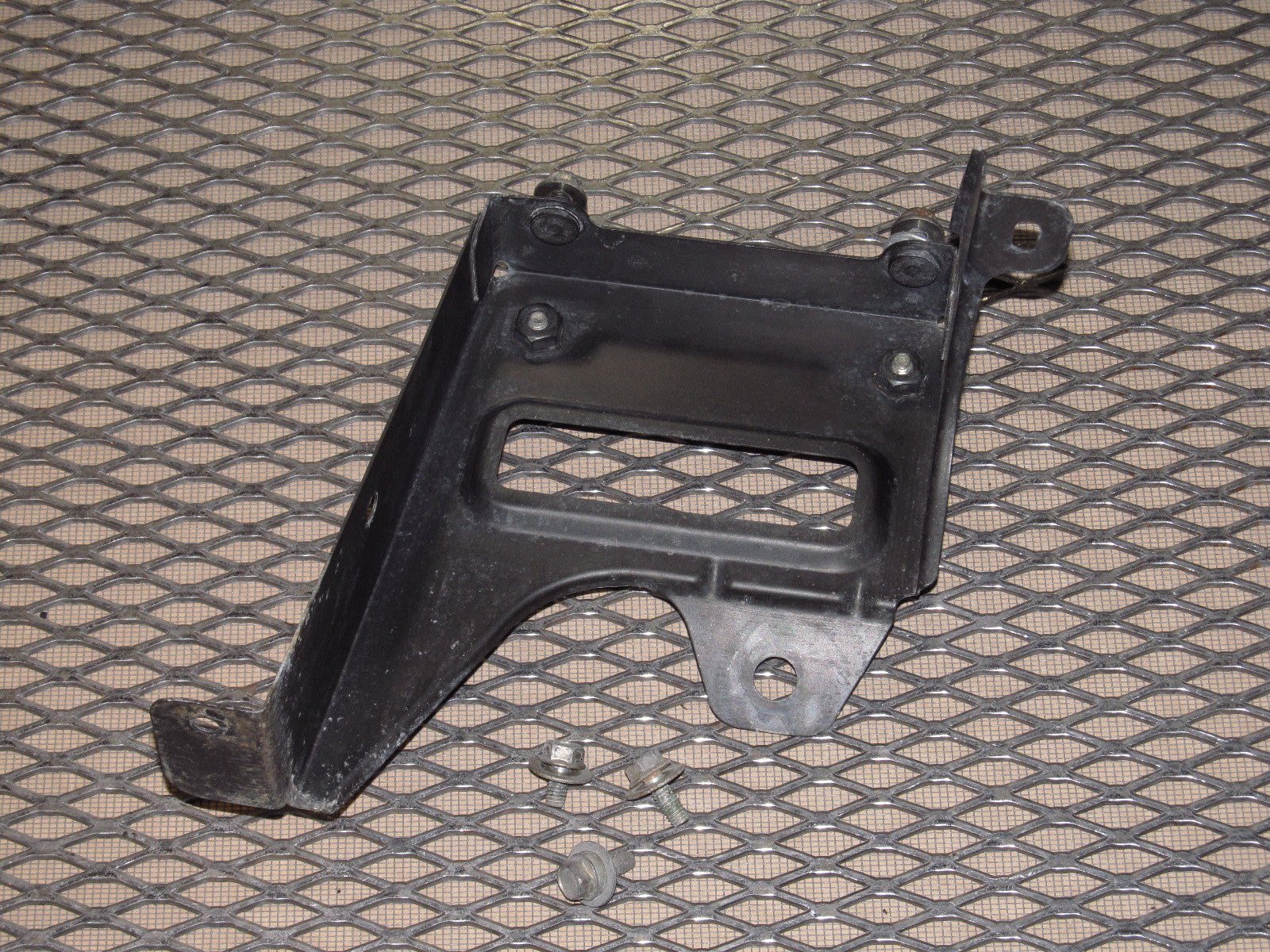 90 91 92 93 Mazda Miata Oem Engine Fuse Box Mounting Bracket On A 1993