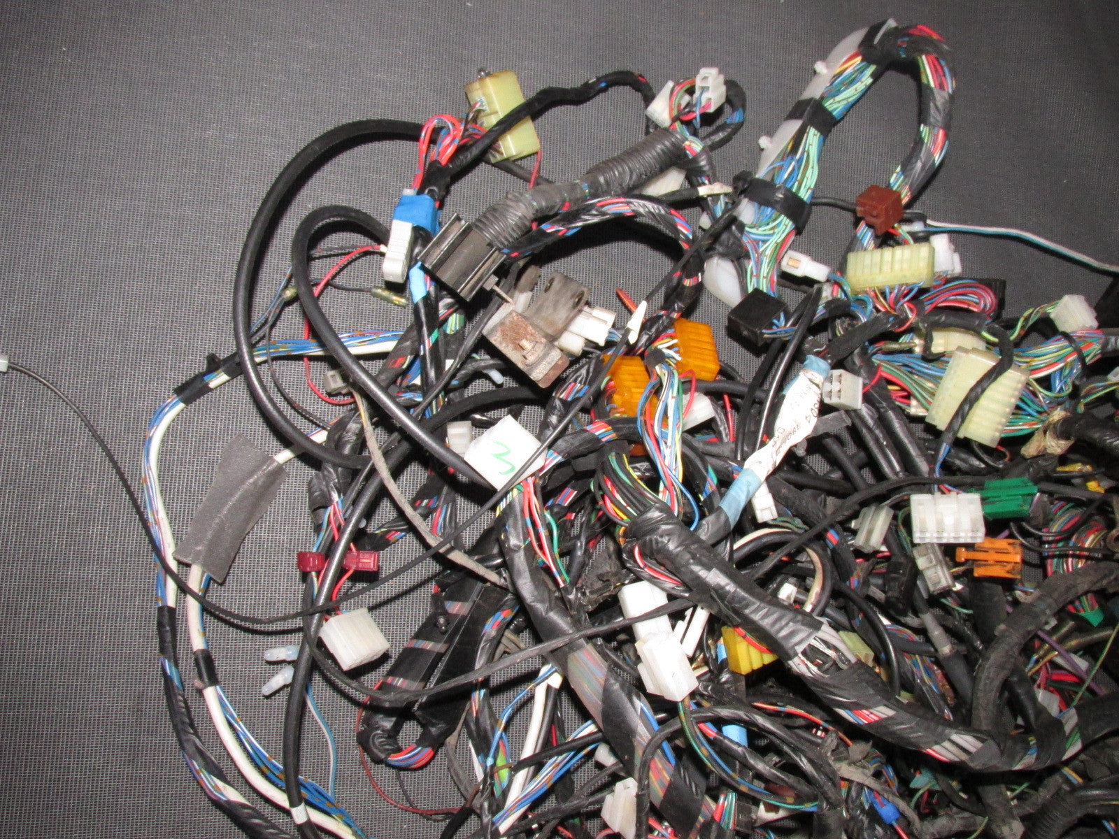IMG_5539_294b6d6e 7acb 4e38 bafb f97fad301c0c?v=1447885520 84 85 mazda rx7 oem 13b gsl se m t complete wiring harness 13b wiring harness at honlapkeszites.co