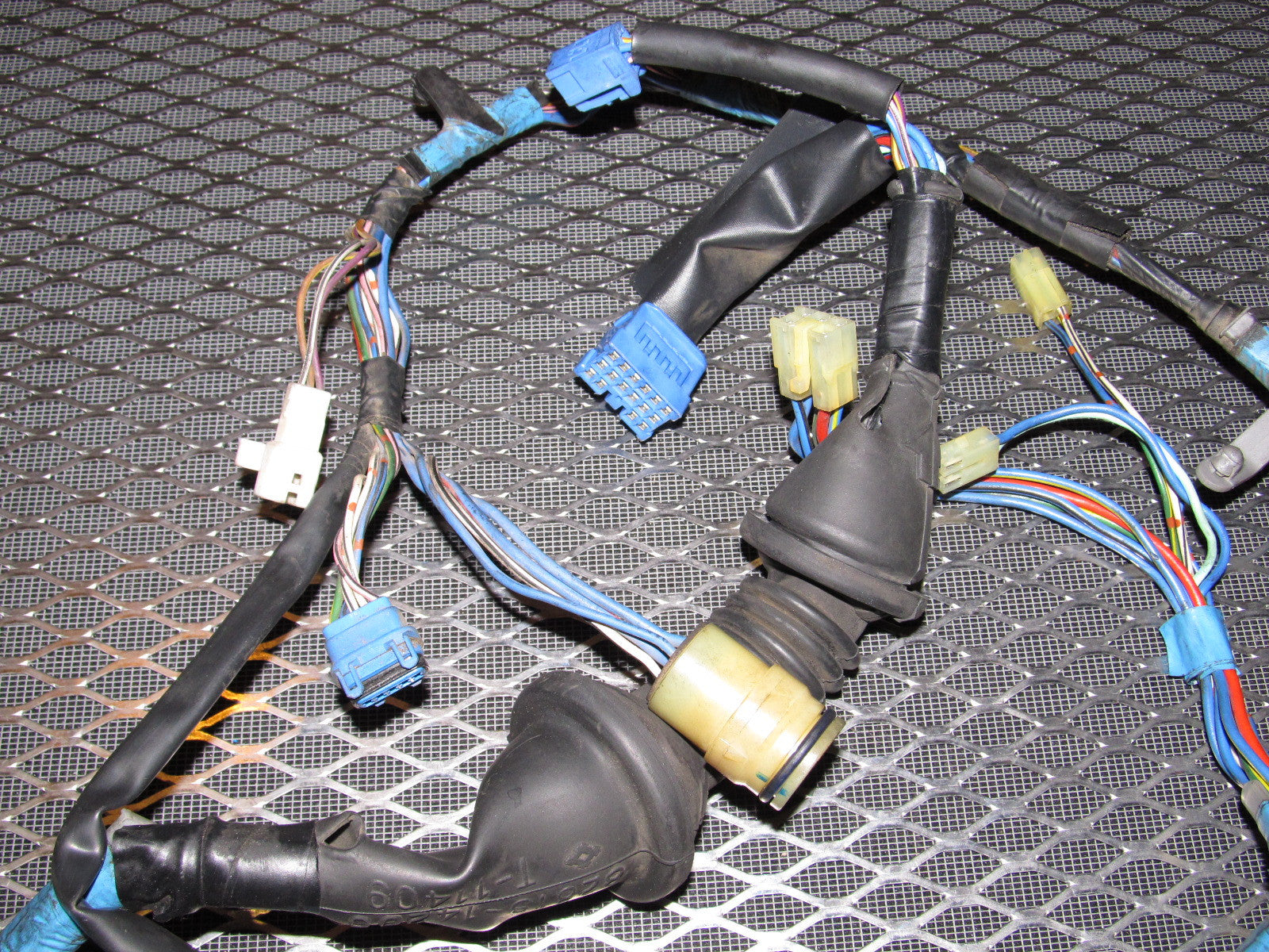 IMG_7084?v=1449022900 89 90 91 92 toyota supra door wiring harness right set 91 supra wiring harness at gsmx.co