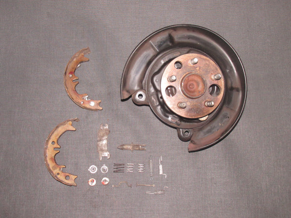 94 95 96 97 98 99 Toyota Celica Convertible Wheel Spindle & Hub - Rear Left