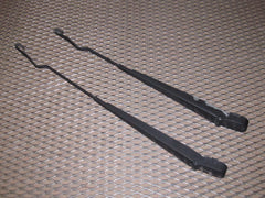99-04 Ford Mustang OEM Front Wiper Arm Set