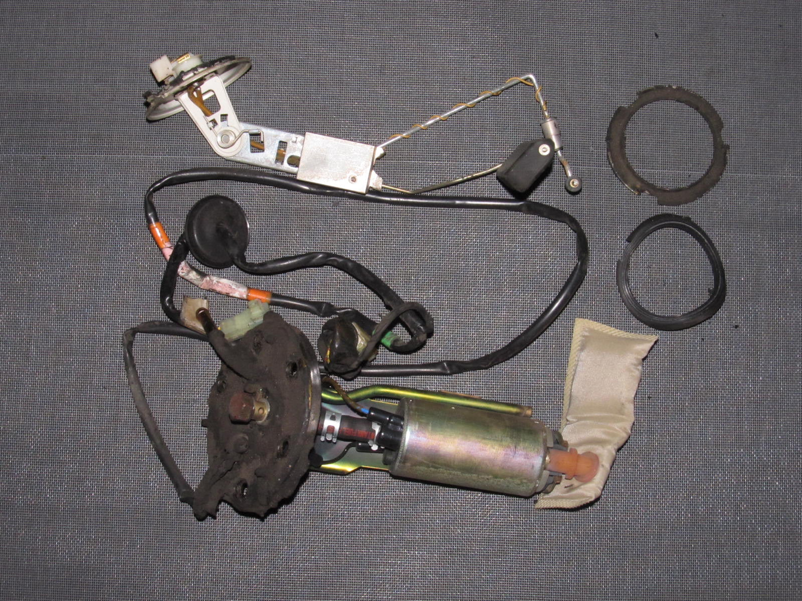 IMG_9527?v=1400700834 90 93 acura integra oem fuel pump with sending unit & floater  at gsmportal.co