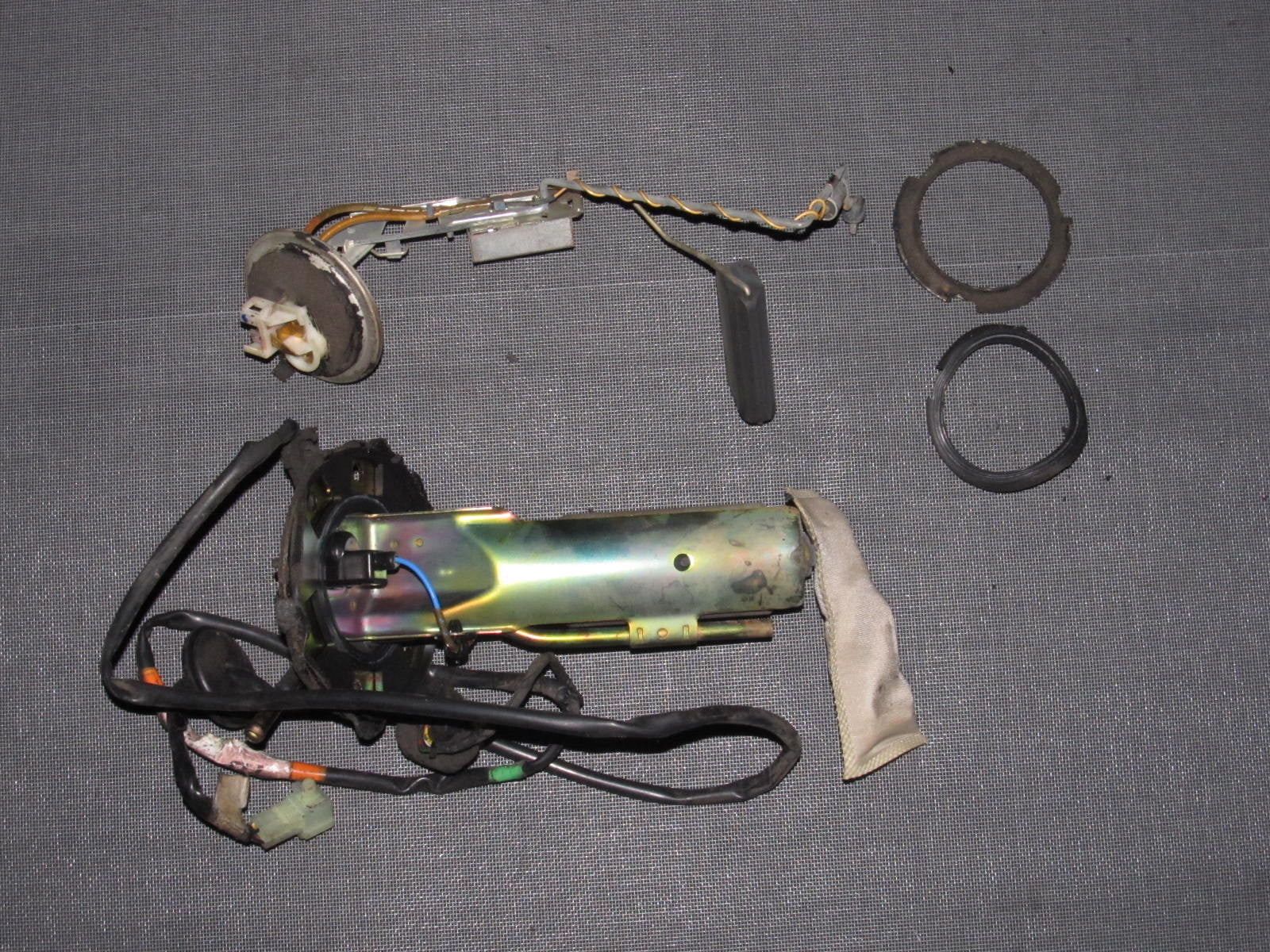 IMG_9528?v=1400700836 90 93 acura integra oem fuel pump with sending unit & floater  at gsmportal.co