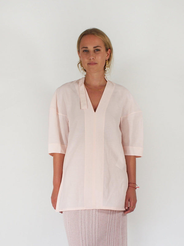 Medea Linen Blend SS V Neck Top - Pink