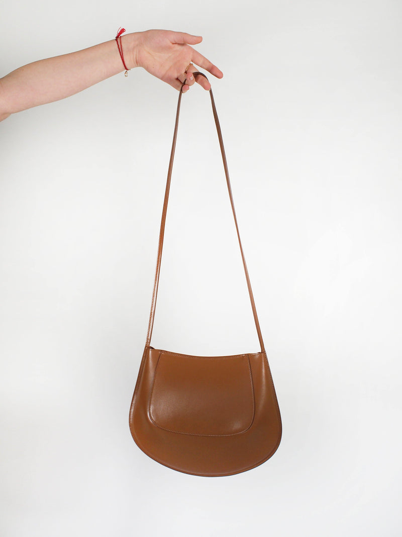 Crescent Saddle Bag - Caramel
