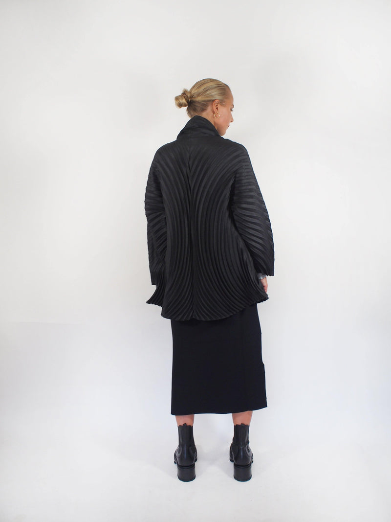 Wool Circle Pleats Jacket - Black