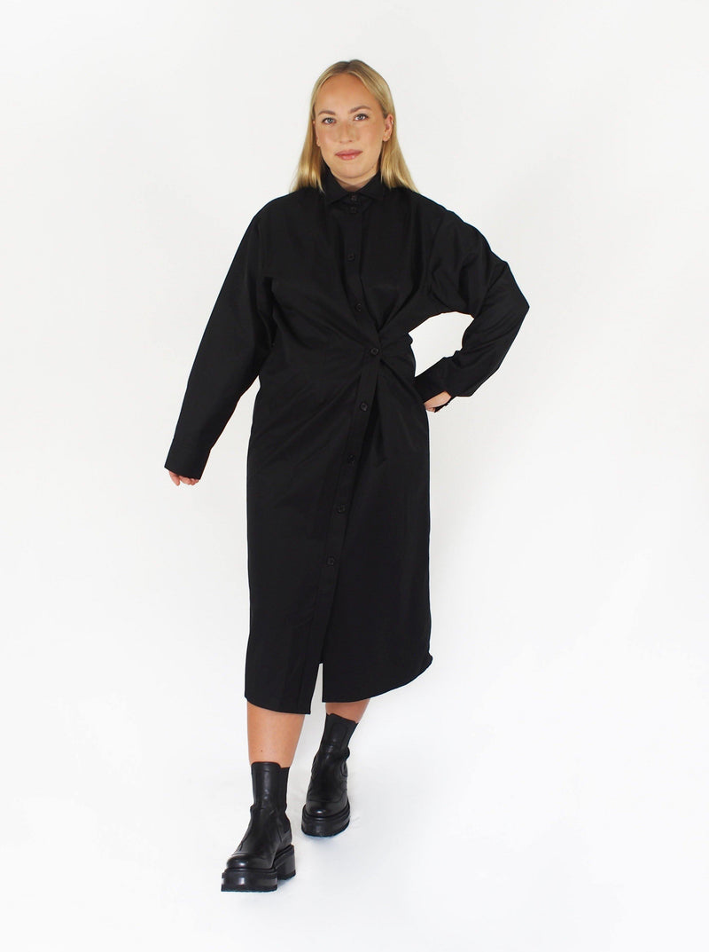 """Lola' Cinchable Waist Cotton Shirtdress - Black"