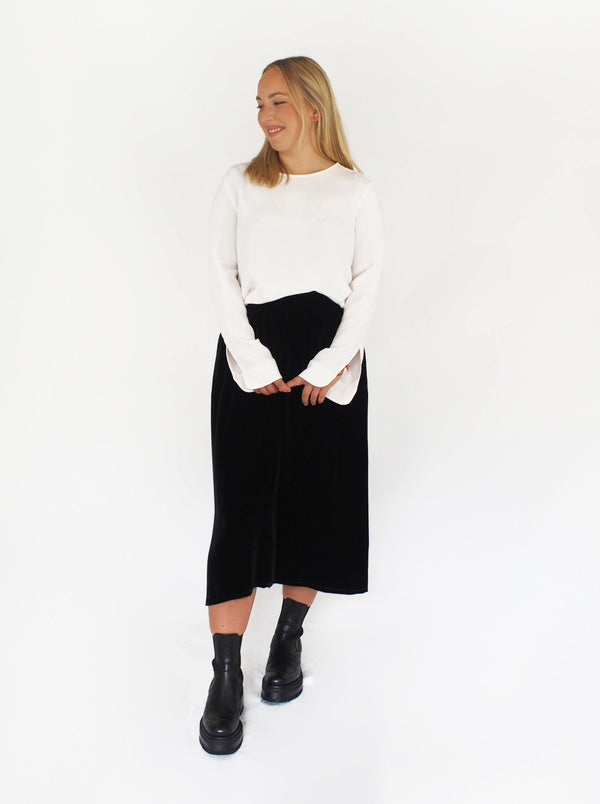 Velvet Bow Skirt - Black